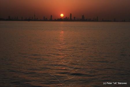 Západ slnka nad KUWAIT CITY