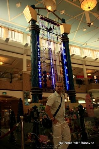 Vodné hodiny v SHARQ shopping centre
