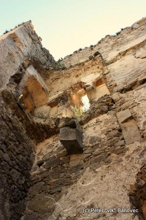 Vnútorný hrad - prechod ku krbu