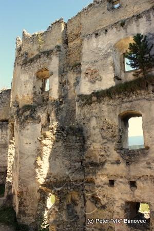 Južná stena vnútorného hradu