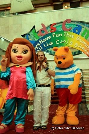Fotografia s postavičkami z detského sveta v Crown Plaza