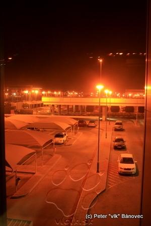 Bahrain sme videli iba spoza skla