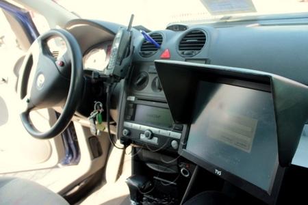 vozidlo SCAN-A-CAR, ktoré pri rýchlosti 50 km/h vyhodnocuje parkujúce vozidlá