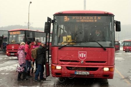 autobus na linke 3p naberá cestujúcich