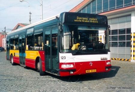 prezentačný autobus nového vybavovacieho systému u DPmHK